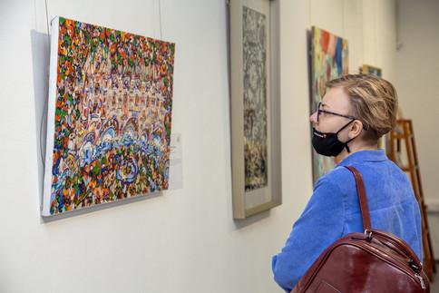 Экспозиция включает работы с 2009 по 2020 год