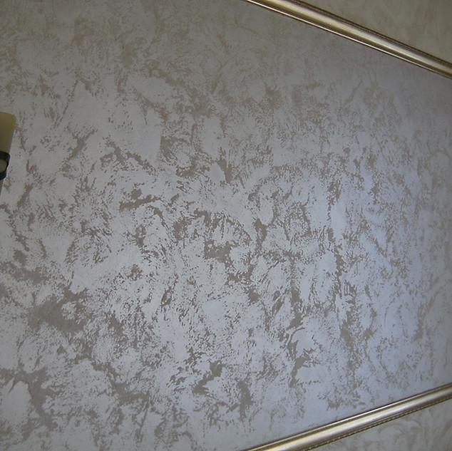 Декоративная краска перламутровый песчанник в интерьере