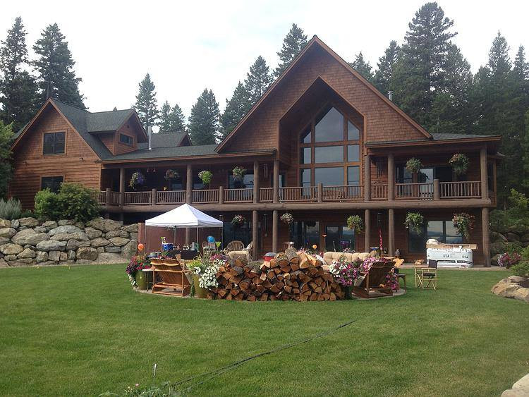 Staining of Log Home in Montana