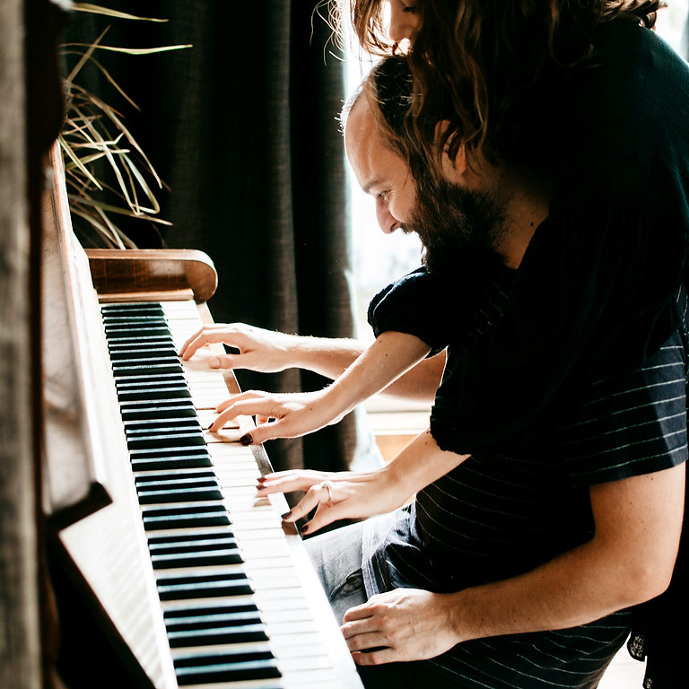 Free Adult Introduction to Piano Class