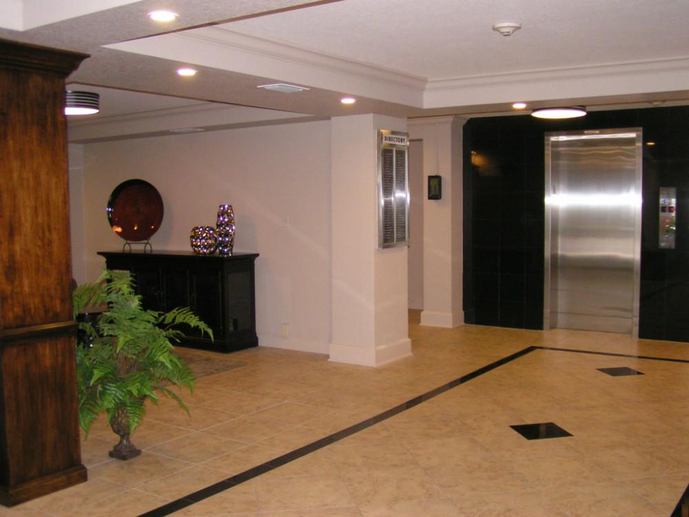Lobby Reno 5