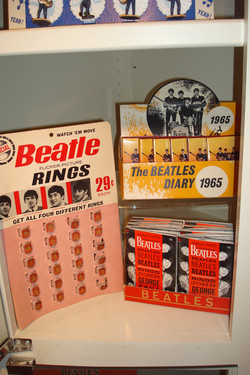 Beatles store displays (flasher rings 1964, diary 1965, Wallet Fold-outs 1964) o