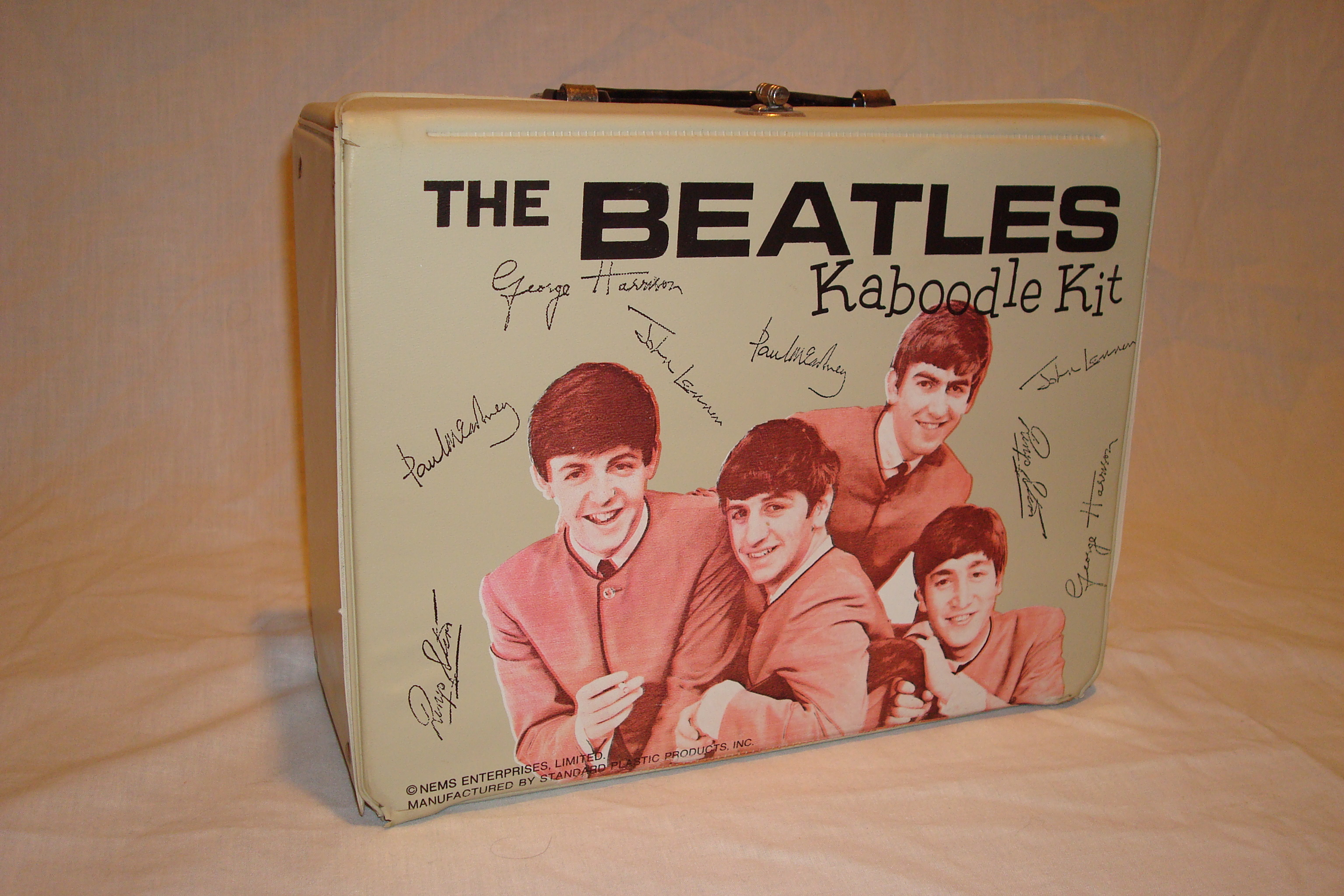 Beatles Kaboodle kit 1964.JPG