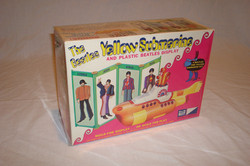 Yellow Submarine plastic model kit 1968.JPG