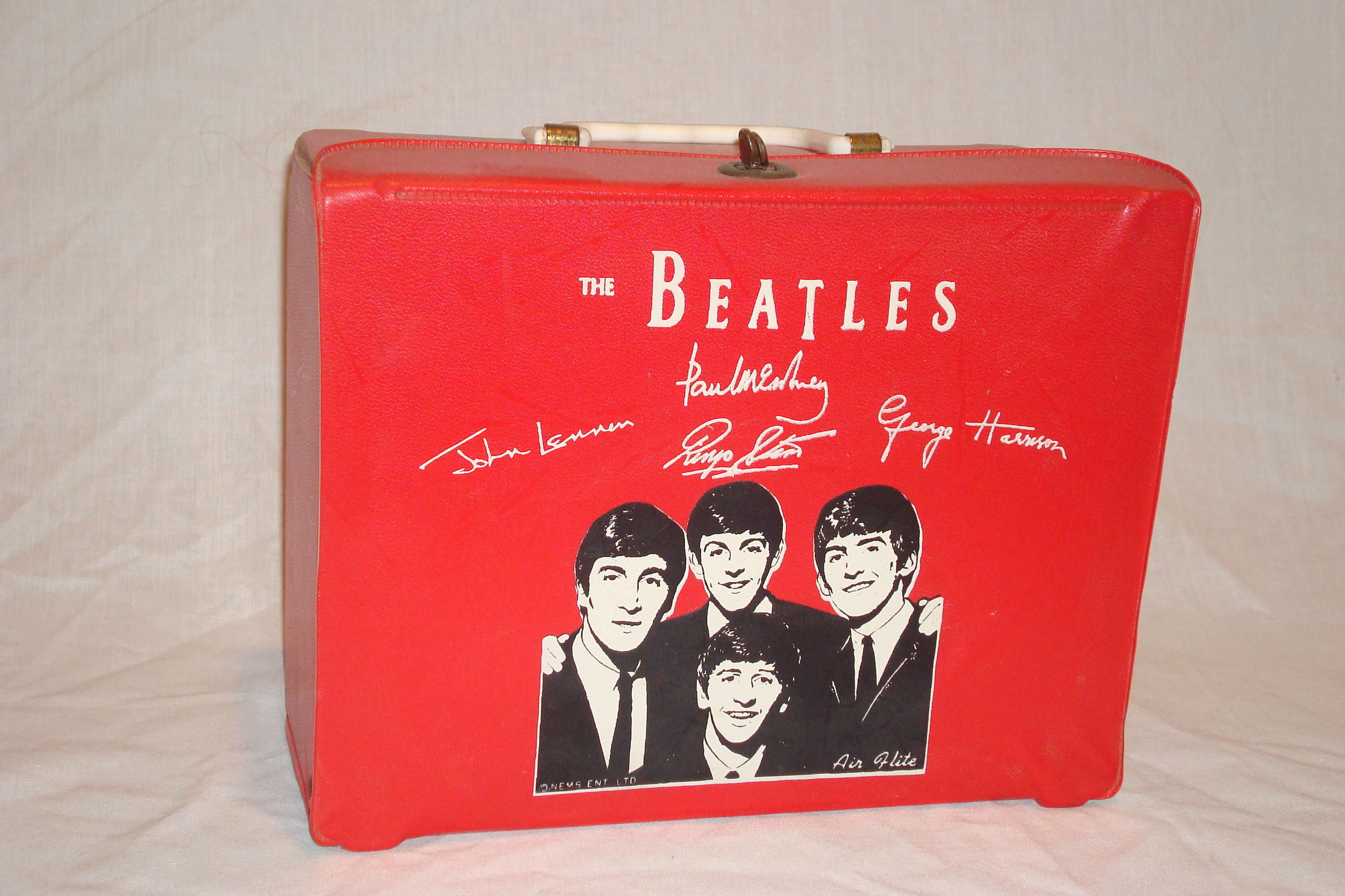 Beatles Airflite box 1964.JPG