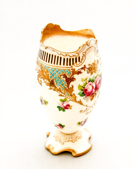 Royal Doulton vase with roses