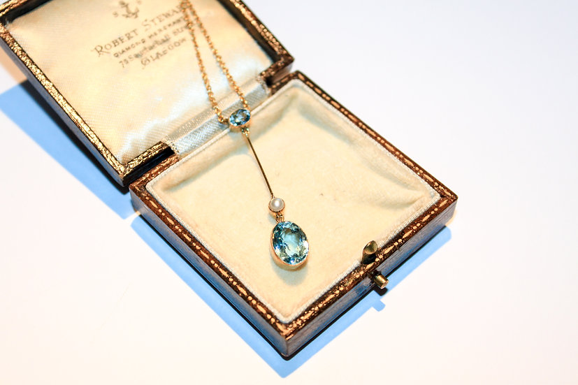Aquamarine, pearl and gold necklace