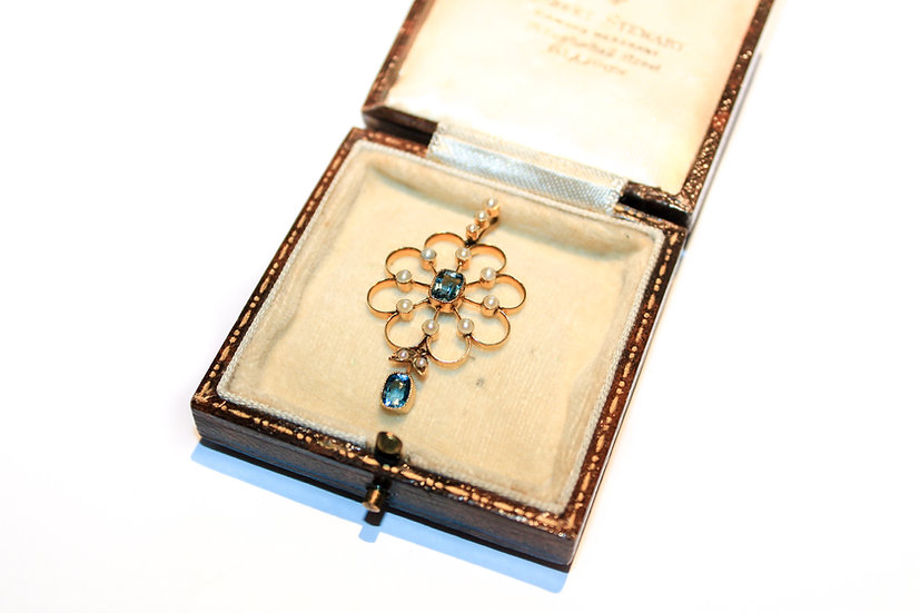 Aquamarine and pearl 15ct gold pendent