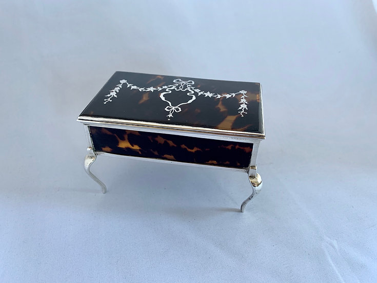 Silver and tortoiseshell piqué jewellery box