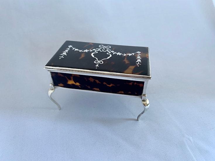Silver and tortoiseshell piqué jewellery box