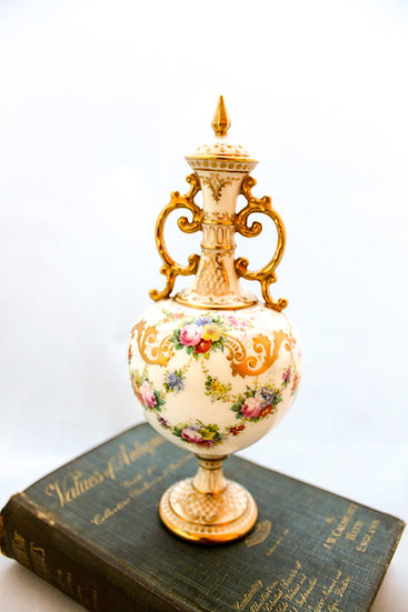 Royal Doulton vase and cover