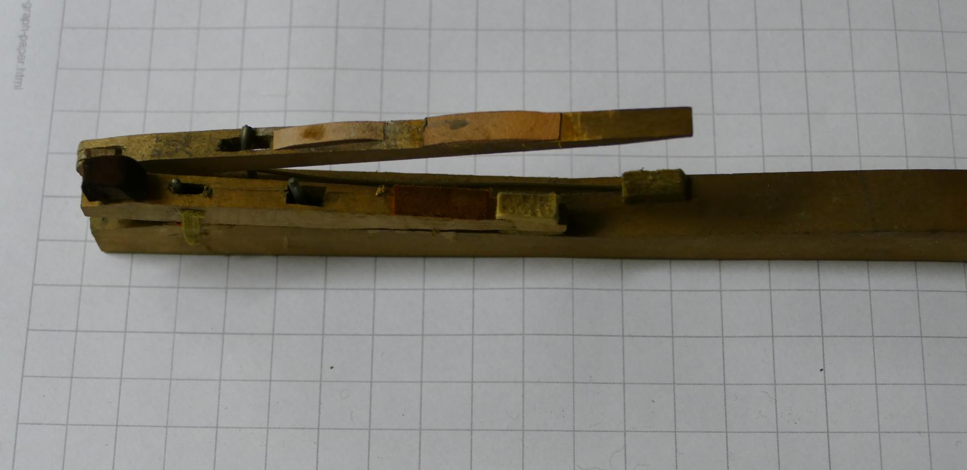 Tangentenflügel Mechanik.JPG