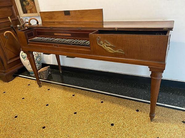 Italian square piano.jpg