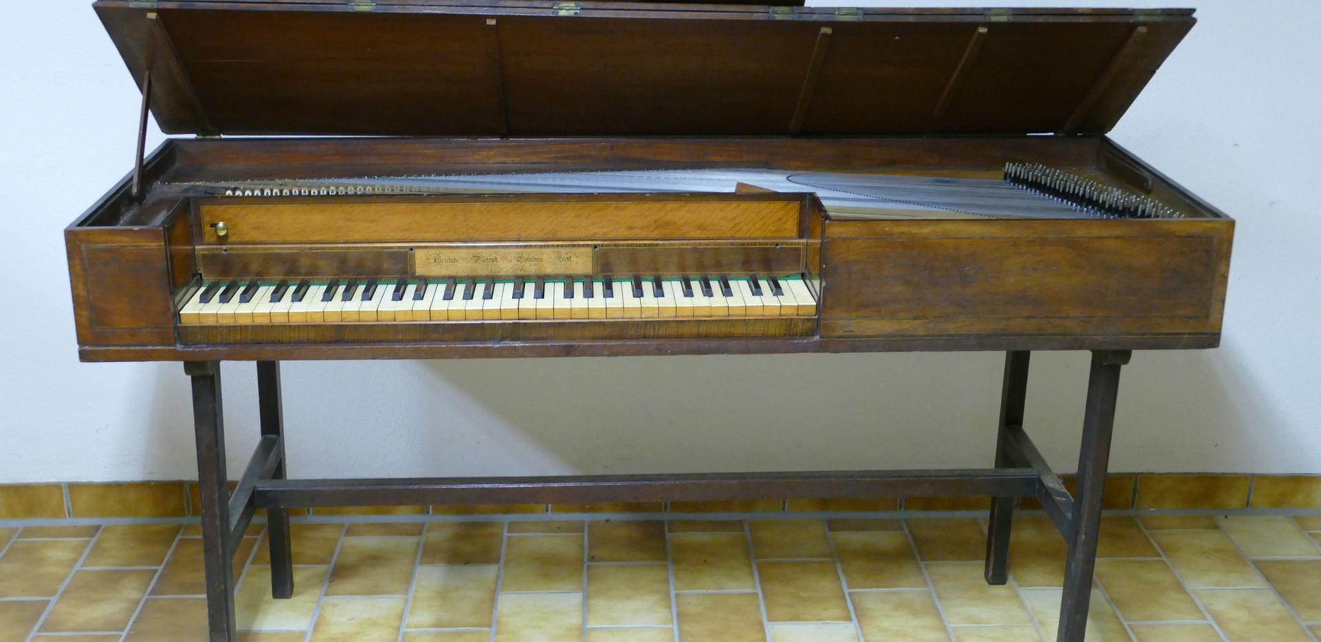 Trute Tangent Square Piano Radbon Collec