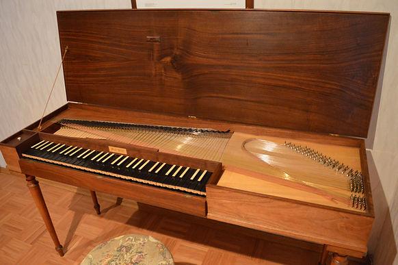 Clavichord for sale Clavichord zu verkaufen