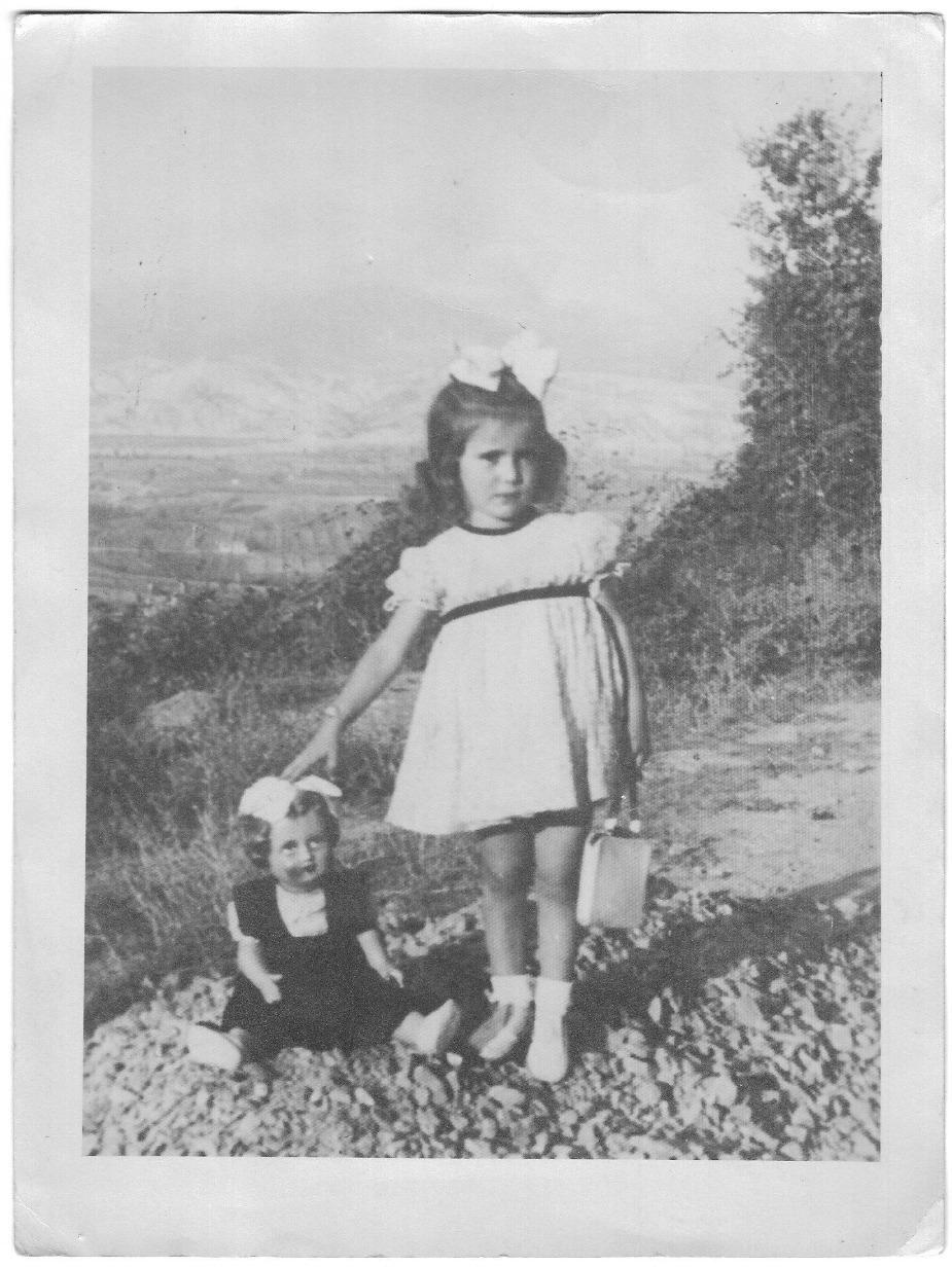Giuliana e la sua bambola
