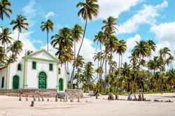 Église sur la plage