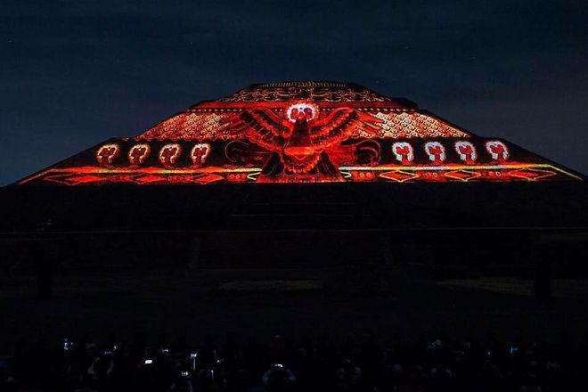 luz-y-sonido-teotihuacan.jpg