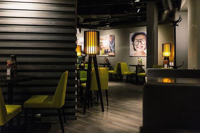 Дизайн кофейни, дизайн кафе, дизайн ресторана, лофт, тропический лофт, бетон в интерьере, starbucks, дизайнер