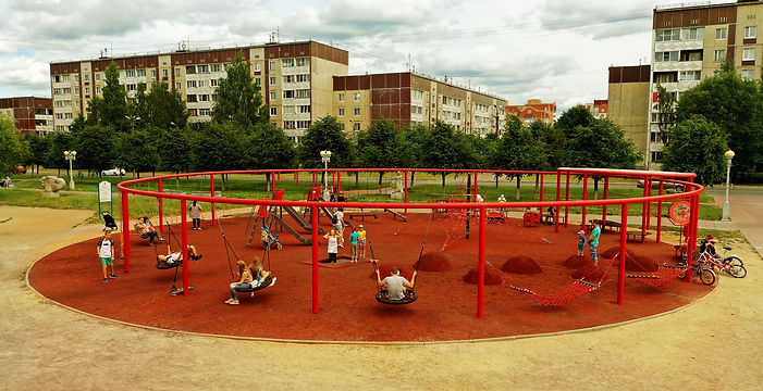 Современная детская площадка