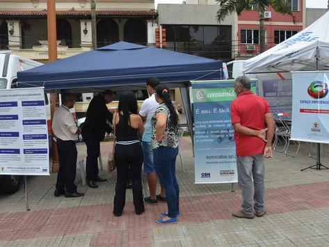 Prefeitura leva atendimento público para a praça