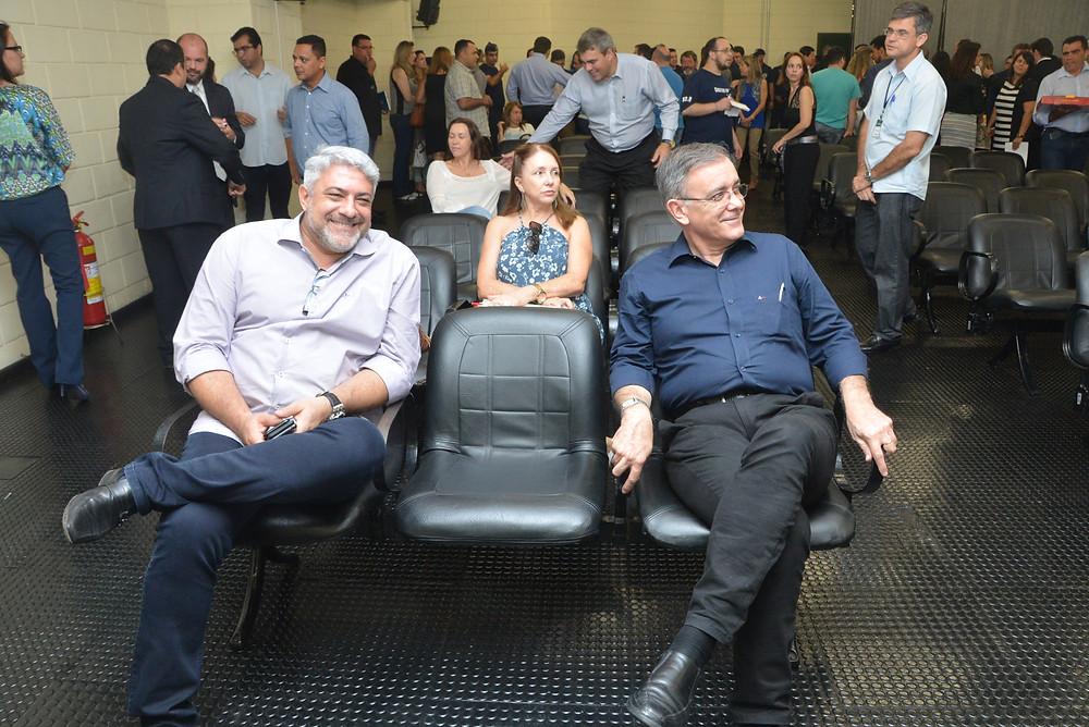 Mario Bastos (Secretário de Cidadania) e José Crespo (Prefeito)