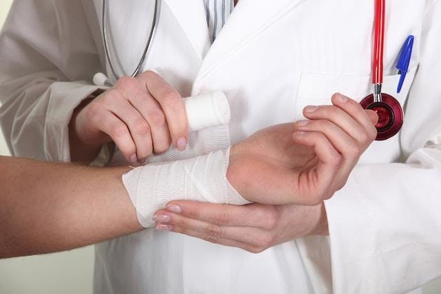 Aula prática do curso Atendimento ao Paciente Queimado
