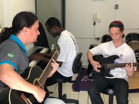 Foto de aula de música na ASAC