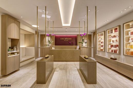 """Spa """"Cinq Mondes"""" MONACO - Réception & Boutique"""