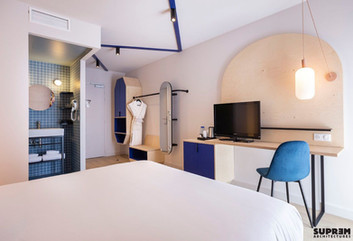 "Hôtel ""Urban Hôtel""*** - Chambre bleue"