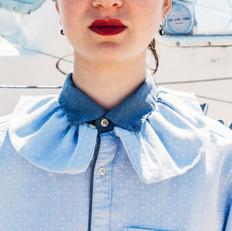 Frilled collar shirt