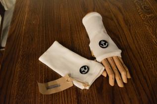 White anchor gloves