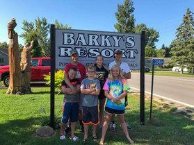 barky's family pic