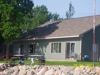 barkys cabin 4-5.jpg