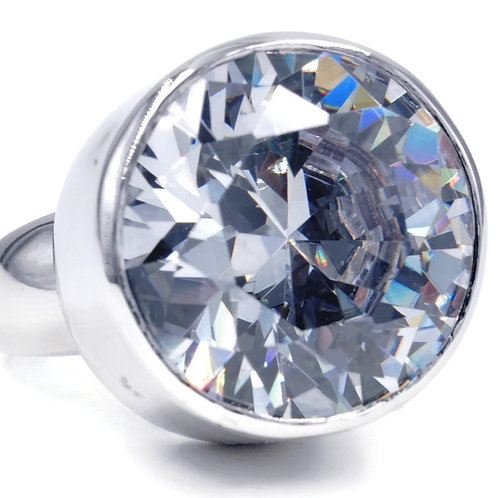 Dramatic Contemporary Single Stone Headlight Clear Ring
