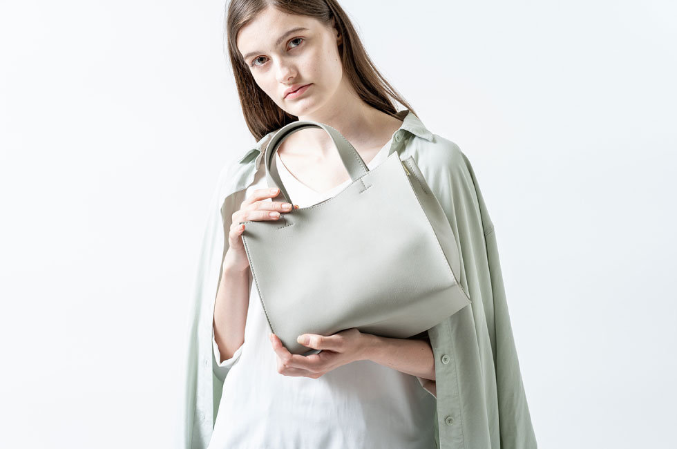 products_square-tote_01.jpg