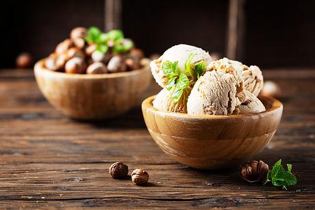 ice-cream-with-hazelnut-PLHFP2E.jpg
