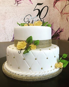 Anniversary Cake 🎂 ._._#cakedesign #bar