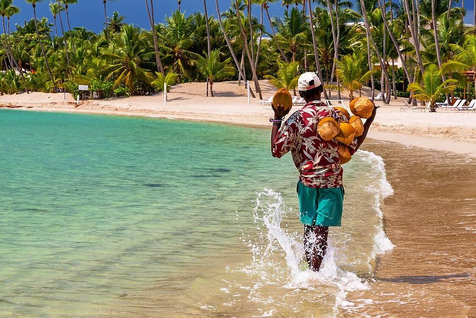 Coconuts_ForSale_Beach_DominicanRepublic