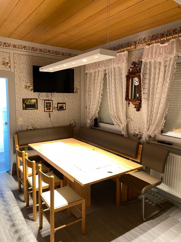 Auch in kleinen Besprechungsräumen kommt die virlight zum Einsatz. Bei der HOG Heimatortgemeinschaft Parabutsch e.V. in Bad Schönborn Langenbrücken