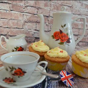 Englische Lemon-Curd-Cupcakes