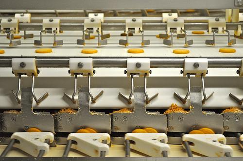 بناء مصانع البسكويت والحلويات