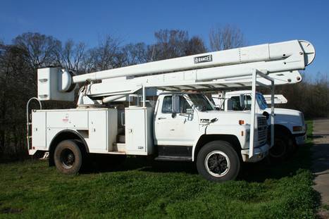 1989 FORD F700 MILES 140,166 pic 1 of 2