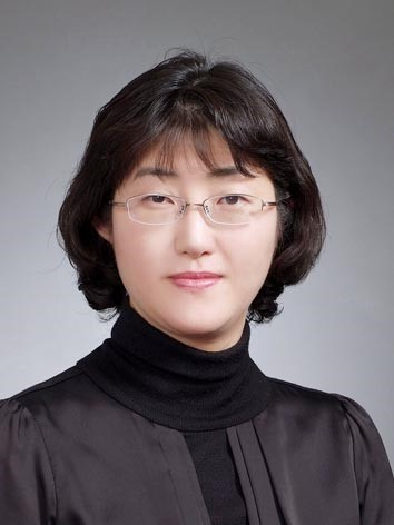 Dr. Soyoung Lee