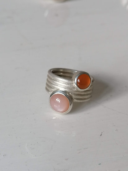 Fancy friend ring with carnelian and moonstone