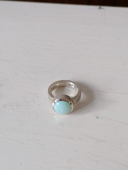 Basic ring with blue opal
