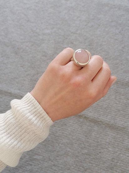 Robotic ring with rosequartz