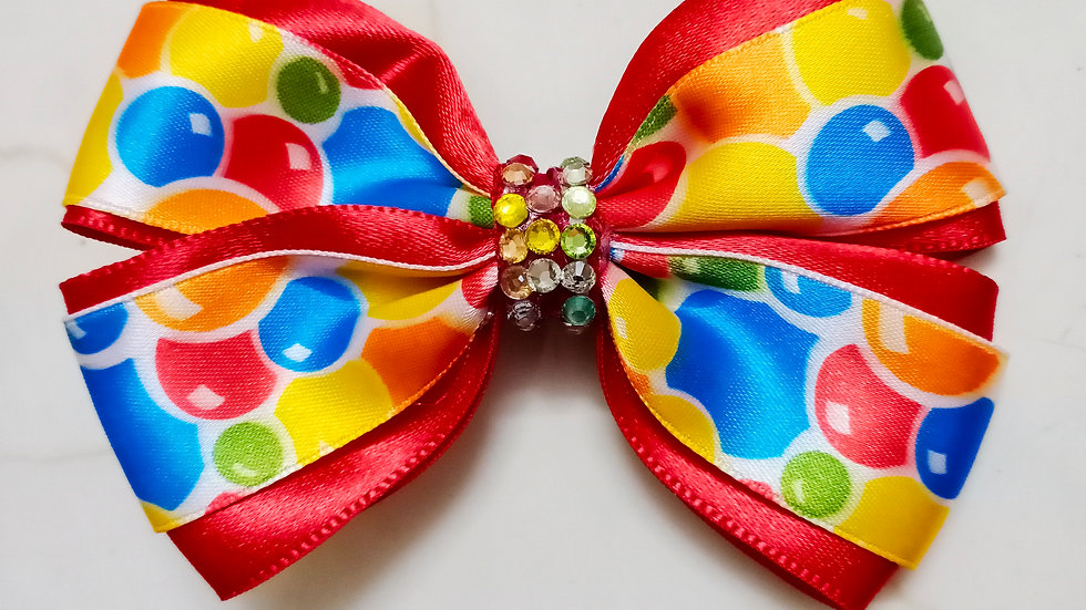 Red balloon bow