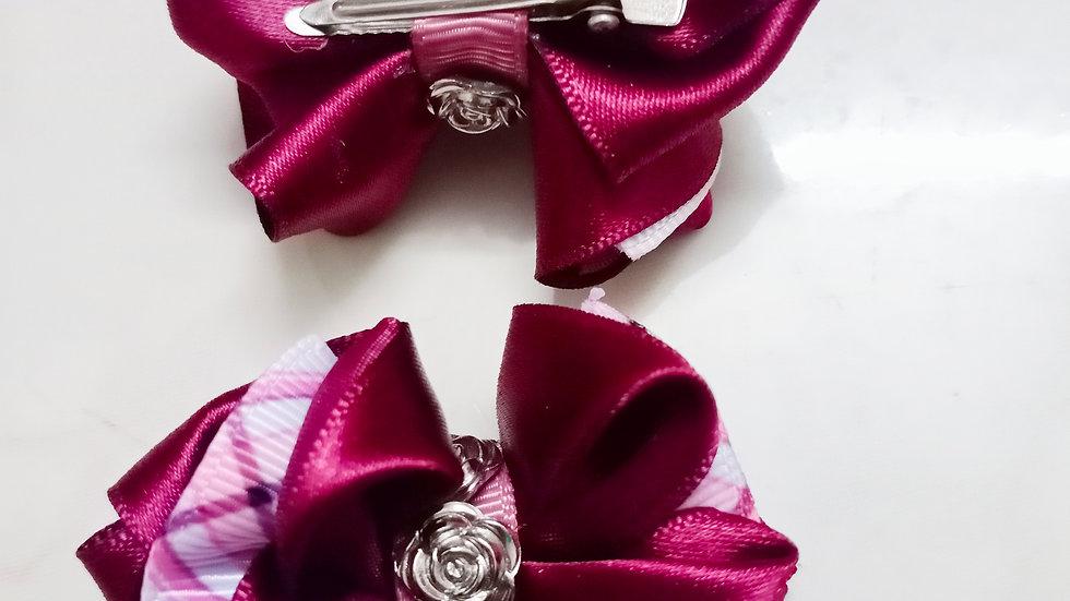 Tiny twin ribbon bows