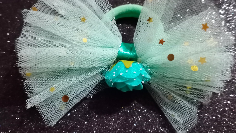 Green tulle bow